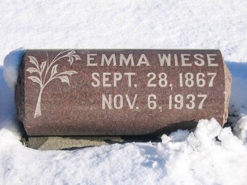 Grave_Wiese_Emma_Elmwood_Cemetery.jpg